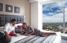 Apartment Bedroom - Meriton World Tower Apartments Hotel