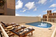 Outdoor Swimming Pool - Macleay Serviced Apartments