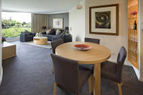 Garden Suite overlooking the Botanic Gardens - Pullman Quay Grand Sydney Harbour
